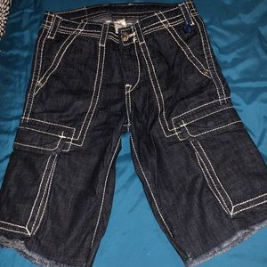 True religion cargo shorts size 28